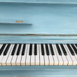 Klavier im Shabby Chic Stil