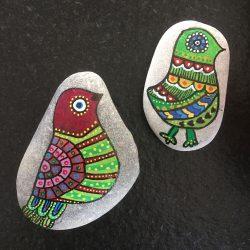 Steine bemalen - Vögel