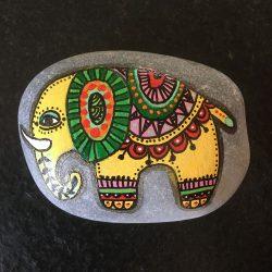 Steine bemalen - Elefant